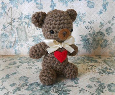 Valentine s Day teddy bear Miss Dolkapots Krafties